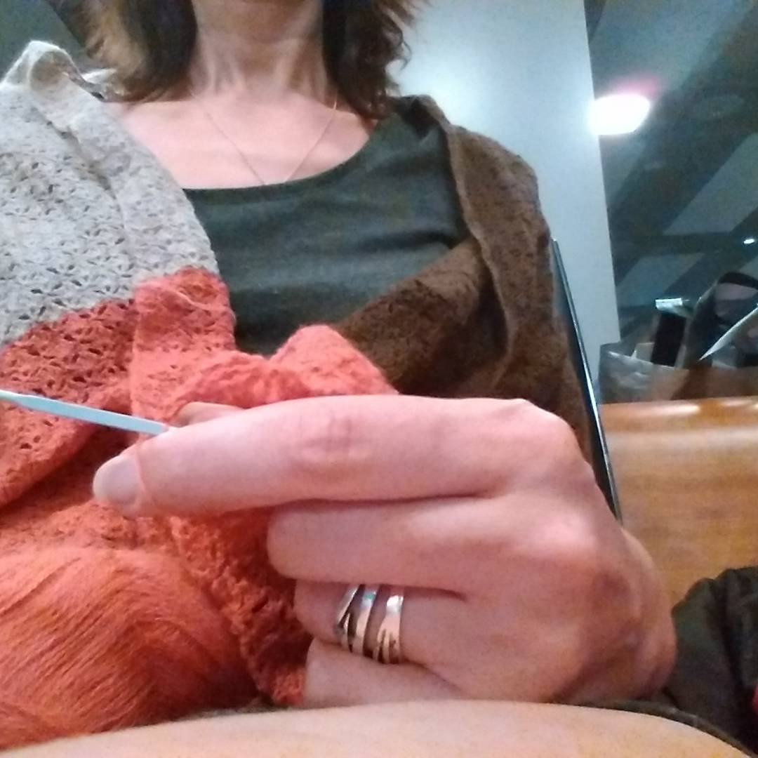 Knitting Class Zürich : Some airport knitting from last night while using my wip